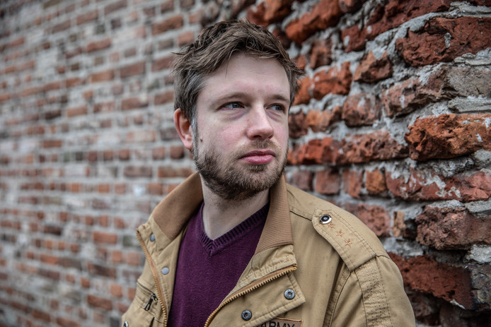 Evert Kwok-cartoonist en Zwollenaar Tjarko Evenboer schreef ook een christelijk boek, maar valt nu volledig van zijn geloof. 'Twijfelen aan het geloof was invloed van de duivel.'