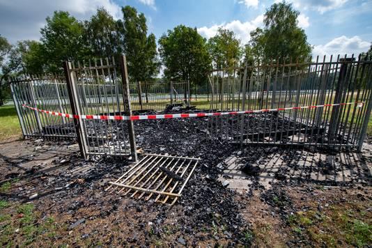 Afgebrande toiletgebouw op het Wylerbergmeer.
