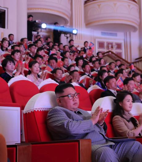 Van aardbodem verdwenen tante Kim Jong-un na zes jaar toch weer naast hem gezien