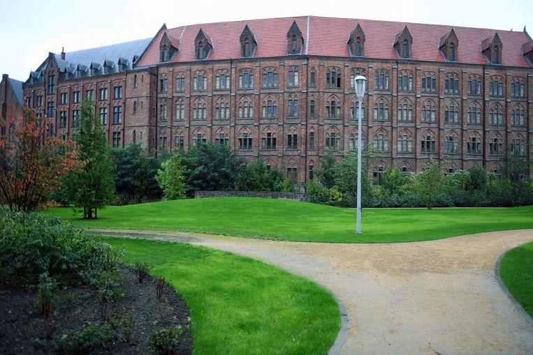 De dertiende gidswandeling van Lots of Leuven brengt je naar Leuvense gebouwen met een (r)evolutionaire geschiedenis.