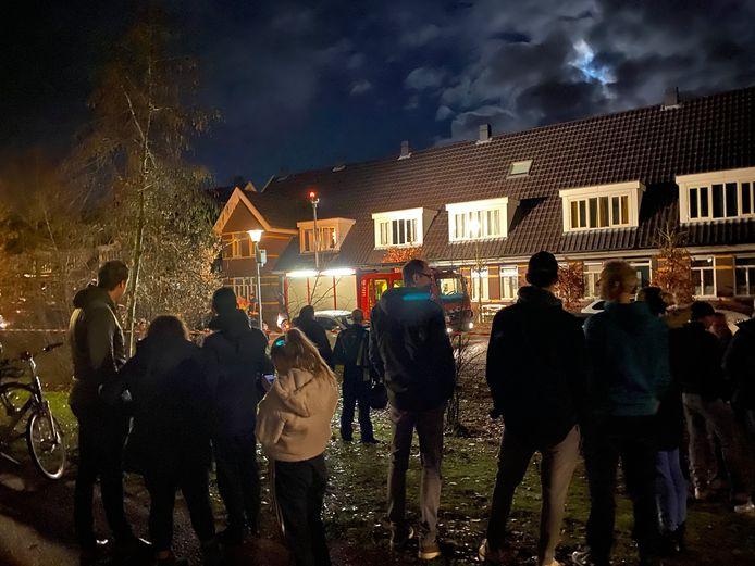Onrust bij een woning op de Stakenbergerhout in Harderwijk.