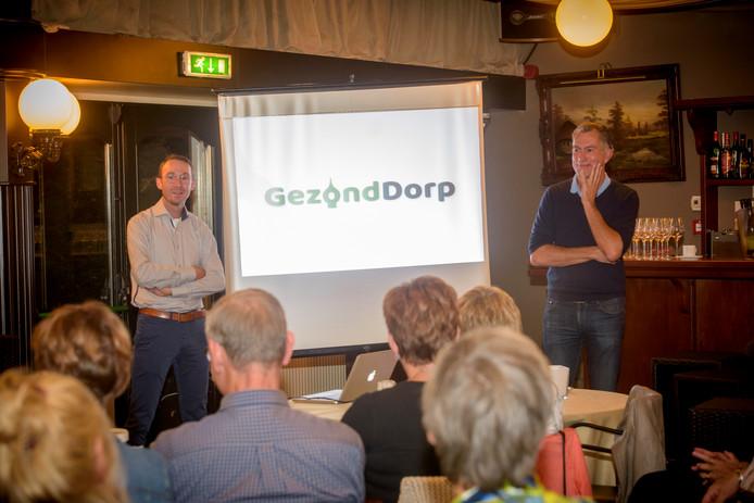 LEENDE - Het hele dorp loopt uit als huisarts Norbert van den Hurk en sportarts Hans van Kuijk de eerste resultaten presenteren van zes maanden Gezond Dorp.