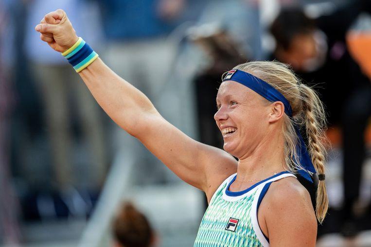 Kiki Bertens viert haar overwinning in Madrid. Beeld AP Photo/Bernat Armangue