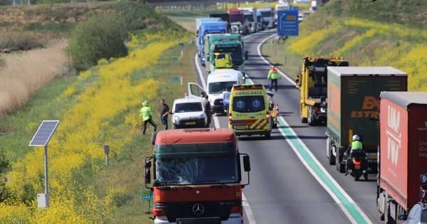 Ongeluk met vrachtwagen zorgt voor tijdelijke blokkade N50.