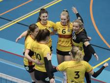 Volleybalsters Dynamo in top vijf