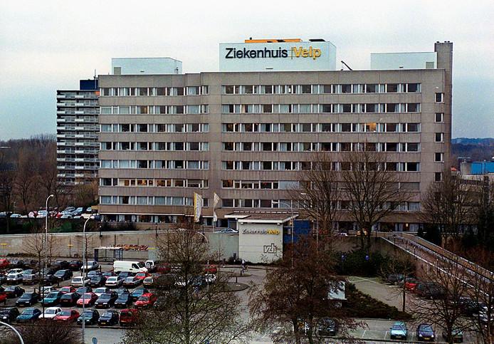 Ziekenhuis Velp, met ervoor het parkeerterrein van de gemeente.