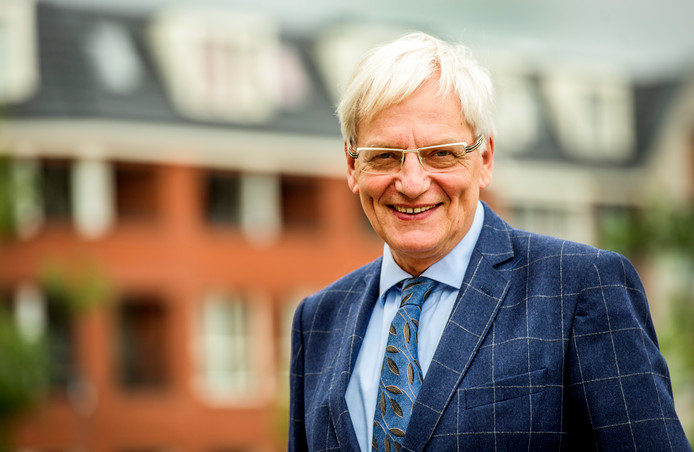 Oud-burgemeester Wim Luijendijk