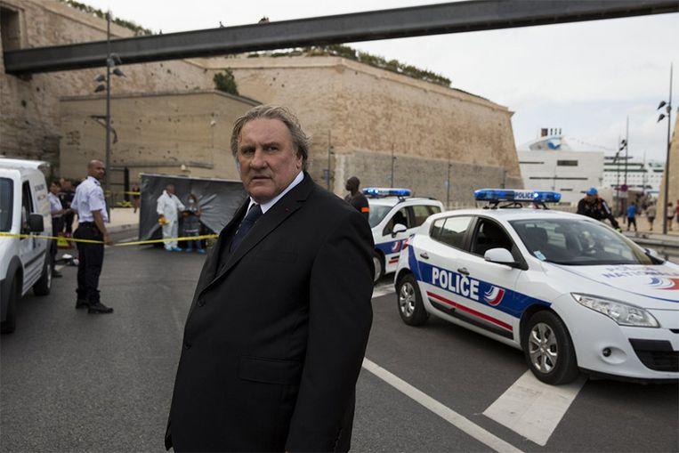 Gérard Depardieu kruipt in de rol van de burgemeester van Marseille.