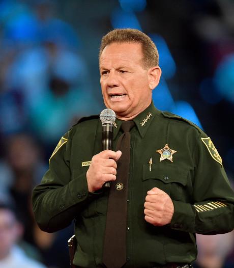 Bewaker aanwezig bij schietpartij Florida wachtte buiten af