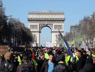 Parijs minder populair bij toeristen door 'gele hesjes'