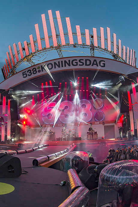 Kijk terug: 538Koningsdag op Chasséveld in Breda, zonnig feest met oa Armin van Buuren en Kensington