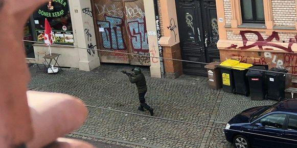 Beeld van de vermoedelijke dader van de schietpartij in het Duitse Halle.