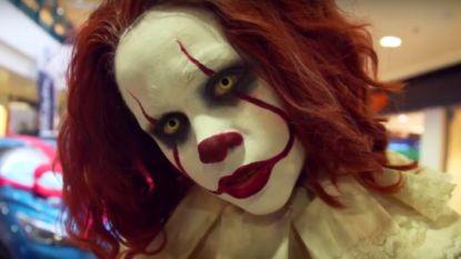 Pennywise Clown jaagt shoppers in Kortrijk stuipen op het lijf