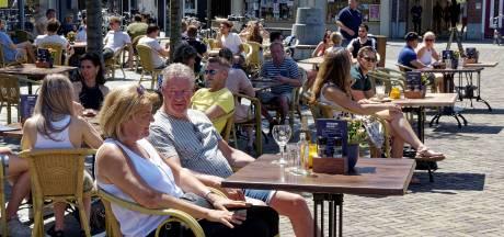 Burgemeester Meierijstad maakt zich ernstig zorgen over naleving coronaregels in horeca: 'Tijd van waarschuwen is voorbij'