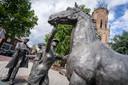 """'Paardenhandel' bij de Grote Kerk in Elst. ,,Mijn man hield van mooie vormen."""""""