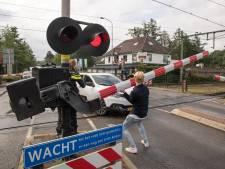 Camera's moeten spoorwegovergang bij treinstation in Nunspeet veiliger maken