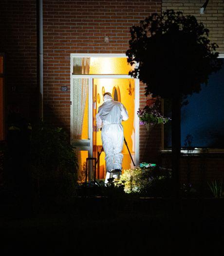 Gemist? Heerde opgeschrikt door familiedrama en oplettende buurman redt vrouw uit auto in water