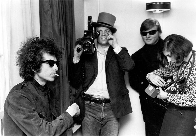 Engeland, 1965. D.A Pennebaker filmt Bob Dylan voor de documentaire Don't Look Back.  Beeld null