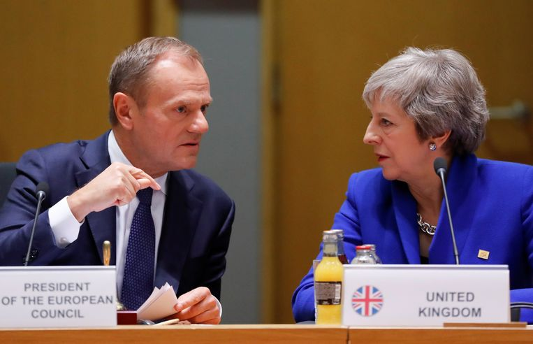Europees president Donald Tusk en Brits premier Theresa May.