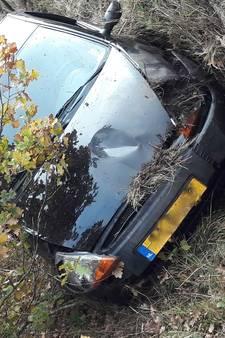 Auto met bloedsporen gevonden in greppel Vlijmen, bestuurder blijkt spoorloos