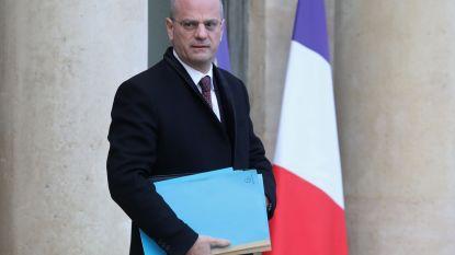 """Franse minister roept gele hesjes op om te stoppen met betogen: """"Boodschap is gehoord, we gaan actie ondernemen"""""""