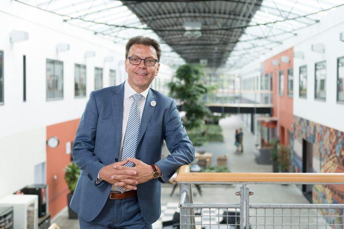 Walther Tibosch, bestuursvoorzitter van Novadic Kentron in het hoofdkantoor in Vught.