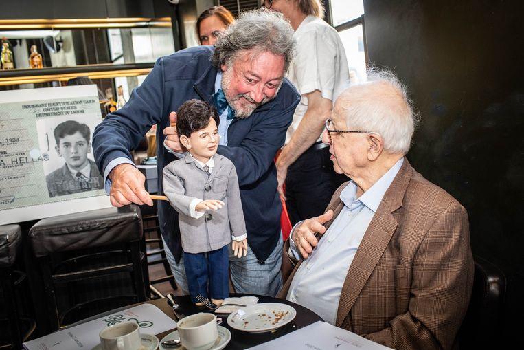 Jacques Bloch bewondert de jongere versie van zichzelf in popvorm gehanteerd door Luk De Bruyker.