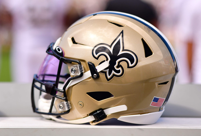 Een helm van New Orleans Saints.
