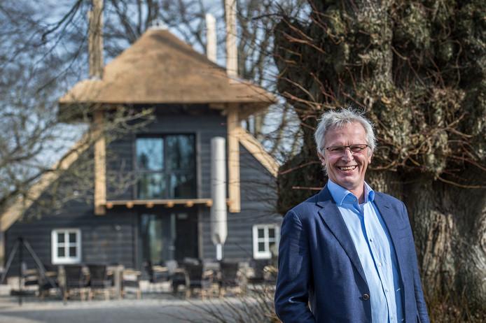 """Bart Welten bij de nieuwste aanwinst van Ulvenhart, De Hooimijt. """"Onze gasten zullen zich hier snel thuis voelen."""""""