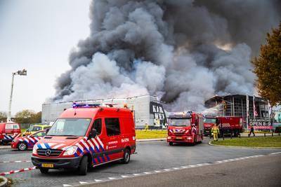 33725324e3d Deskundigen pleiten voor nieuwe regels zodat branden als die in de Karwei  in Apeldoorn niet opnieuw onnodig escaleren. Dat de bouwmarkt gisteren  razendsnel ...
