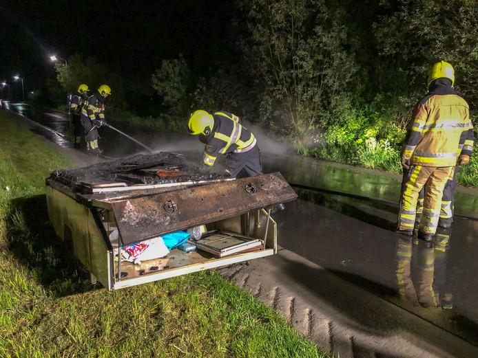 Vouwwagen uitgebrand in Brakel
