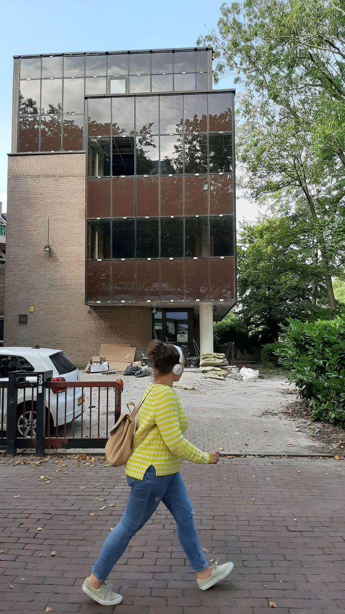 Het voormalige pand van het Luzac College in Dordrecht, waar Findt Advies een financieel dienstencentrum wil starten.
