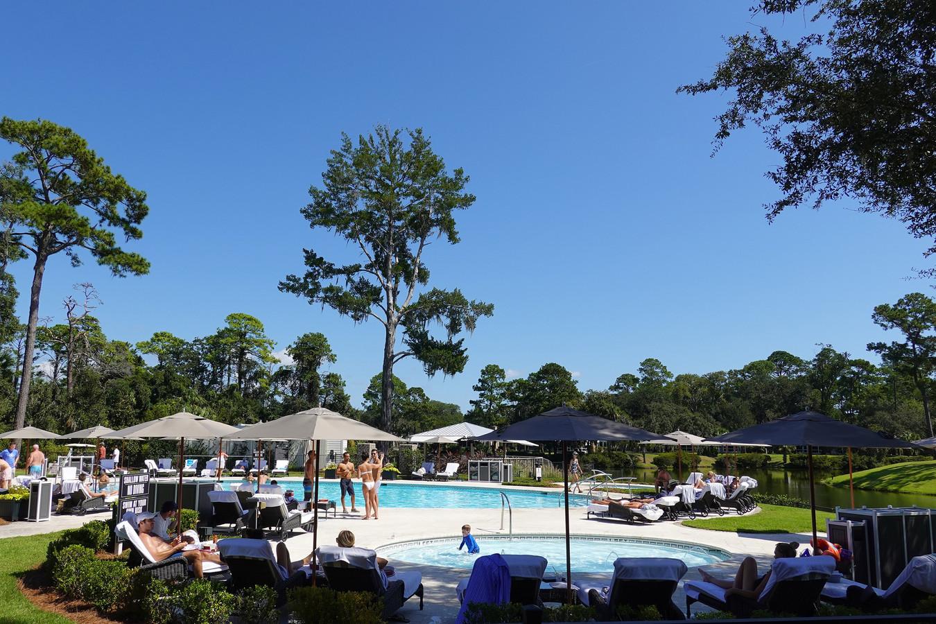 Er is uiteraard ook een prachtig zwembad om te verkoelen