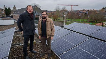 Zonnepanelen op tien stadsgebouwen besparen jaarlijks 29 ton CO2