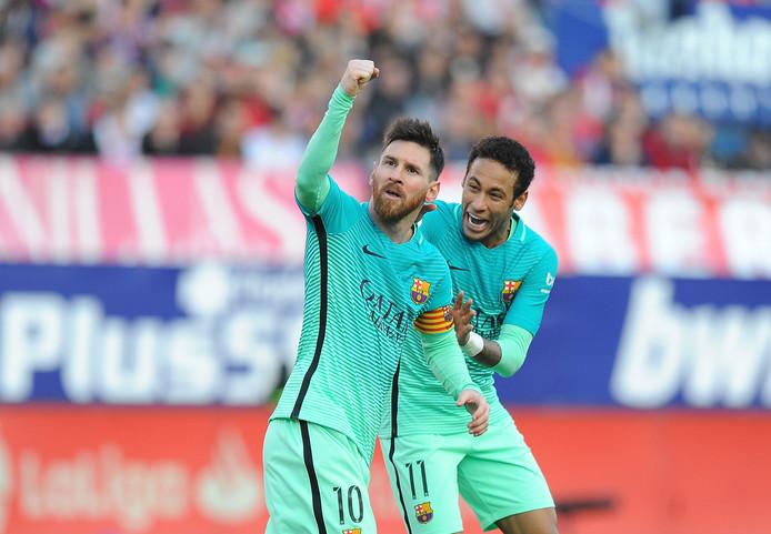 Lionel Messi en Neymar in februari 2017 na een goal van de Argentijn tegen Atlético Madrid.