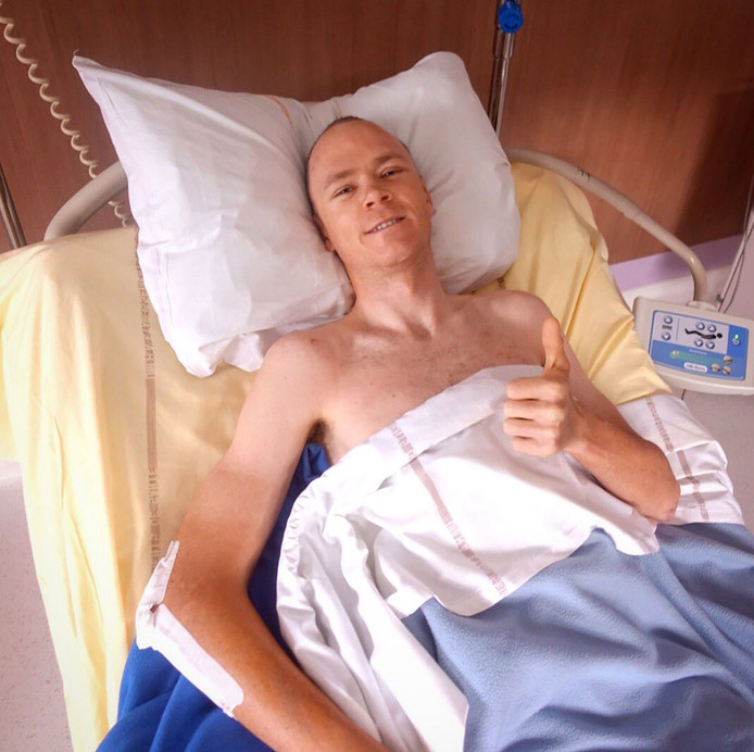 Chris Froome vanuit zijn ziekenhuisbed.