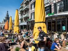 Rondje op Nijmeegs terras even duur als vorig jaar, in Arnhem stijgen de prijzen