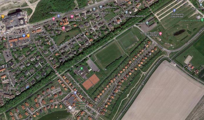Sportcomplex in Cadzand-Bad temidden van de recreatiewoningen.