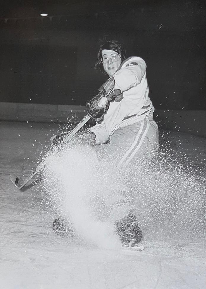 Bas Kolthoff speelde ijshockey bij Hijs Hokij. Hij gaf er ook zelf les in.