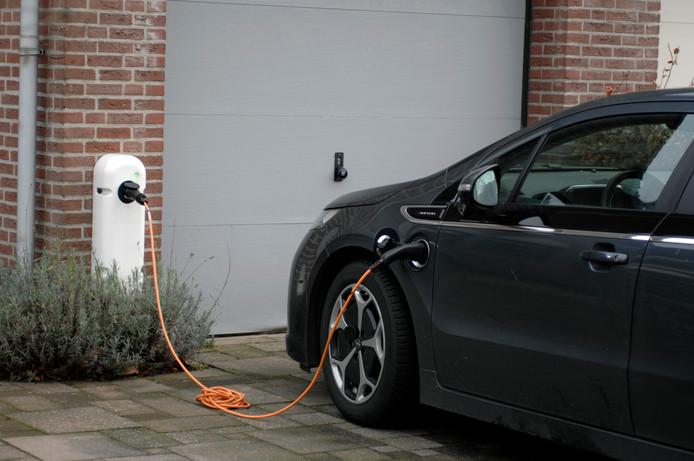 Geeft de KNVB de scheidsrechters een elektrische auto?