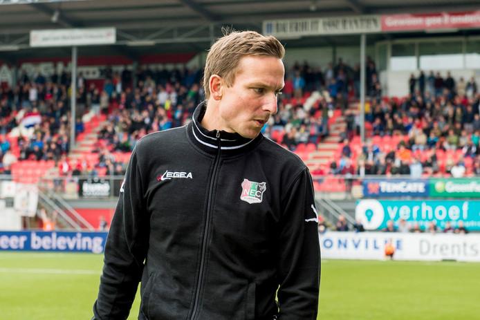 Pepijn Lijnders als coach van NEC.