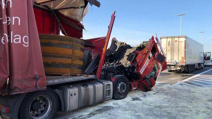 Opnieuw ongeval met vrachtwagens op E19