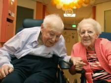 Echtpaar Woittiez-Zegwaard 65 jaar samen: 'Haar handschrift was zo mooi'