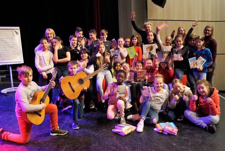 Het vijfde en zesde leerjaar van basisschool De Springplank in Tielt brengen een muzikaal spektakel op de planken in CC Gildhof