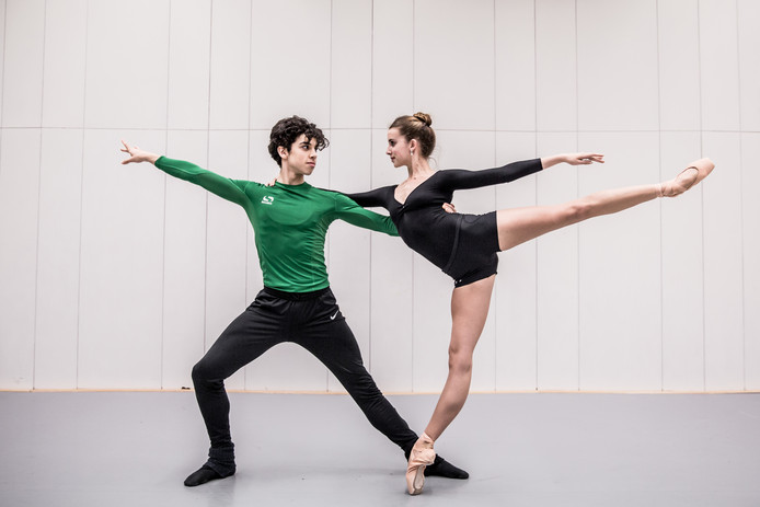 De jonge dansers Melissa Chapski en Timothy van Poucke.