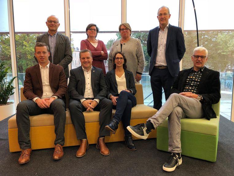 Boven: Marc Boogers, Astrid Wittebolle, Els Baeten en Francis Stijnen Onder: Hannes Anaf, Paul Van Miert, Kelly Verheyen en Luc Op de Beeck.