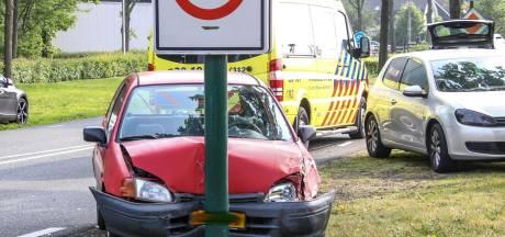 Vrouw (76) uit Ossendrecht raakt van de weg en botst tegen tegemoetkomende auto