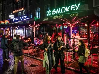Bang van de Nederlandse cafégangers nu horeca daar om 22 uur sluit? Niet zo in Limburg