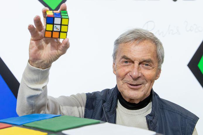 Hongaar Ernő Rubik met zijn goudmijn.