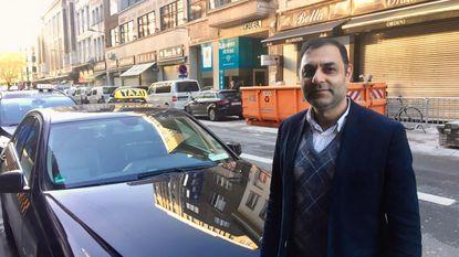 Taxi's eisen meer parkeerplaatsen in Pelikaanstraat